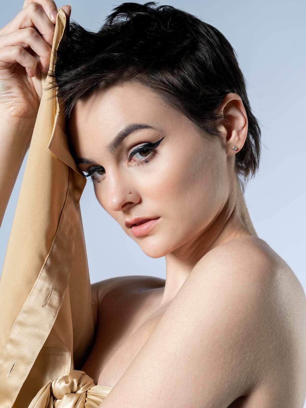 sce-agency-female-model-hunter-g-3a