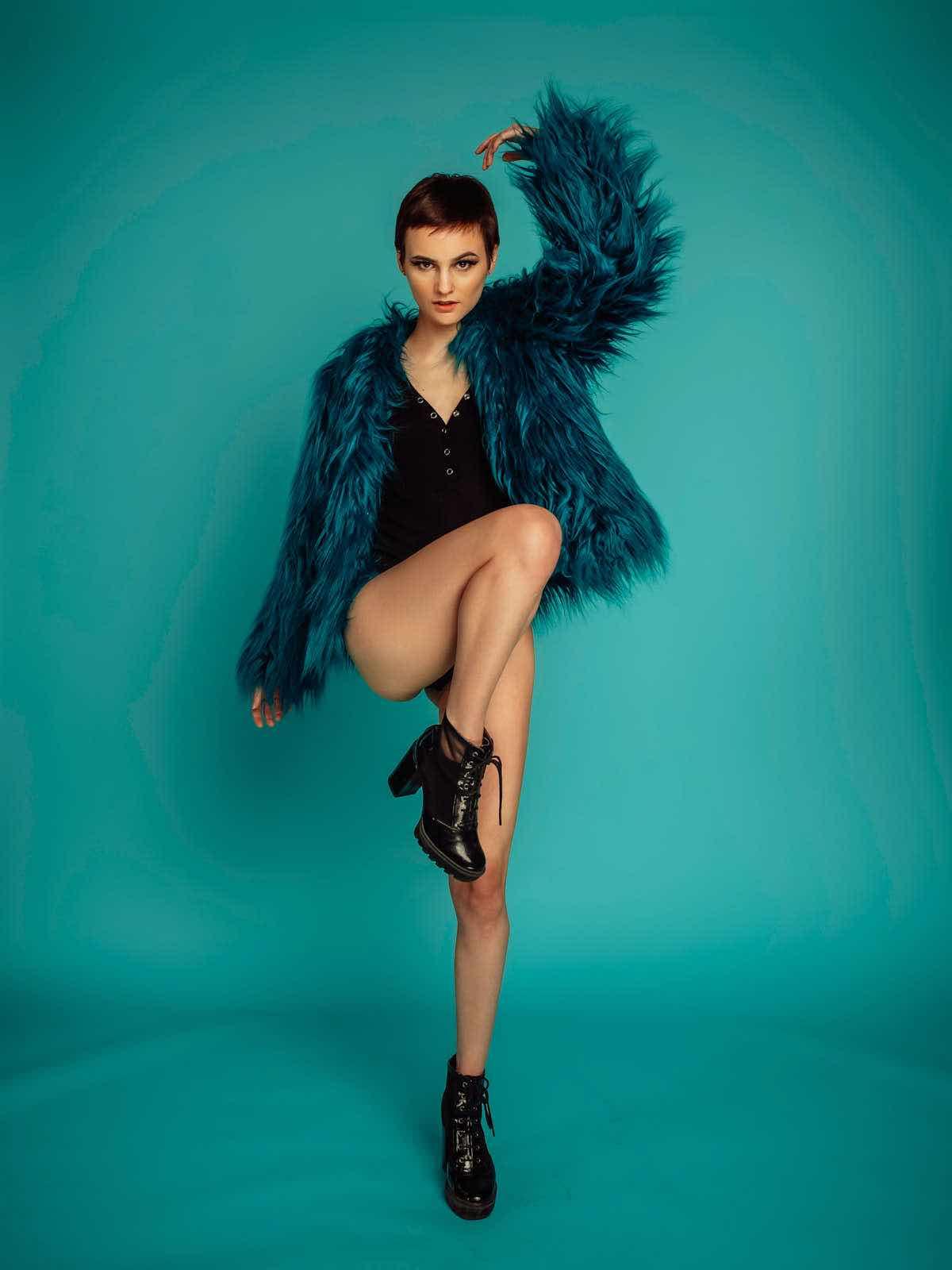 sce-agency-female-model-hunter-g-9aaaa