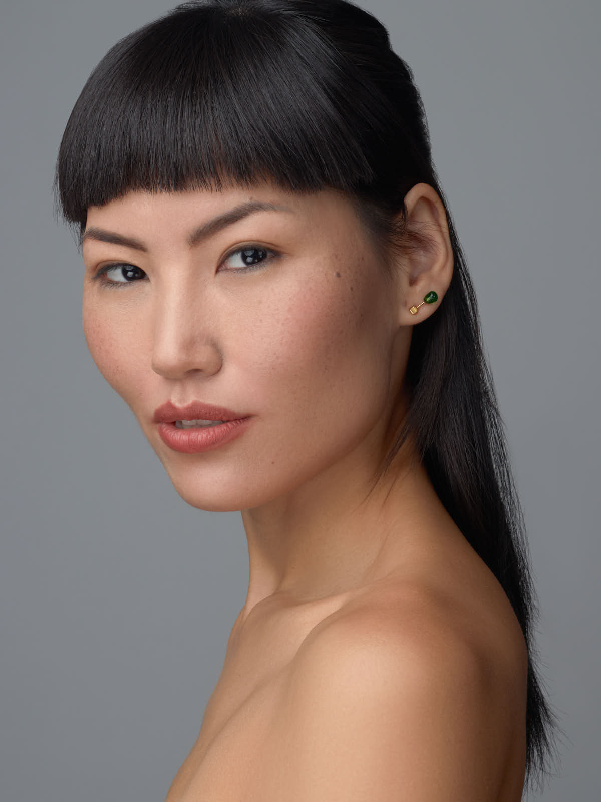 sce-agency-female-model-tia-b-1a